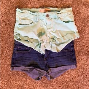 Size 5 Hollister Shorts Low Rise